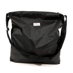 COLOR COMMUNICATIONS 2019 FW ccc square zip shoulder black